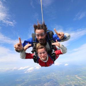 Meilleure expérience de saut en parachute avec Guillaume Lemay-Thivierge.